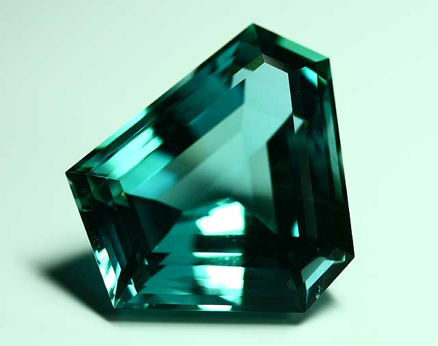 Aquamarine (Beryl) - Hexagon - 54.805 ct