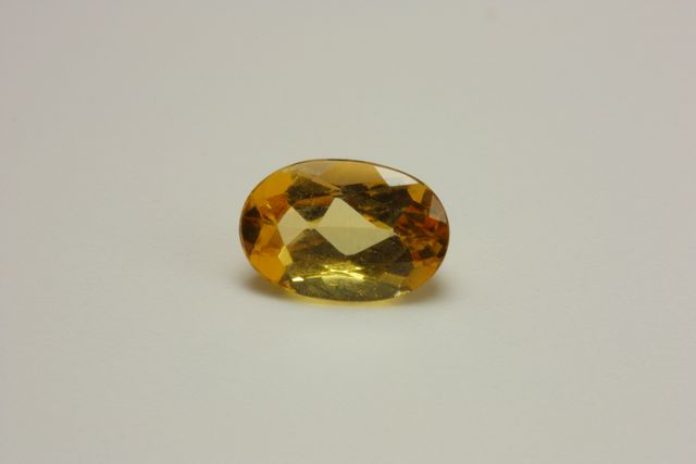 Imperial topaz - Oval 0.675 ct